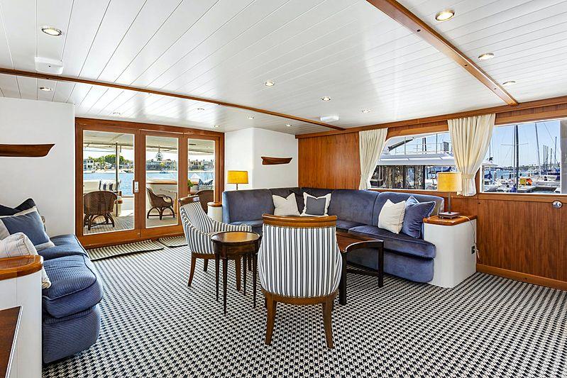 Nordic Star yacht saloon