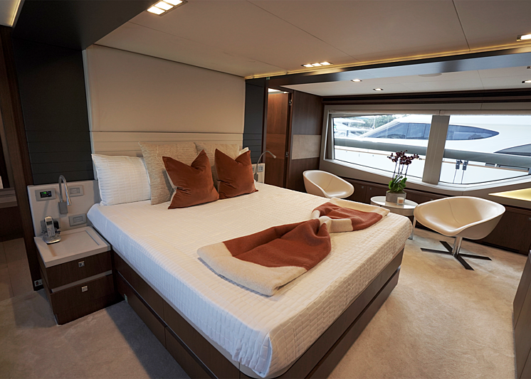 C yacht stateroom