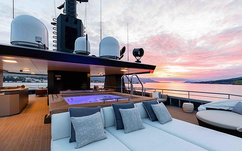 Ragnar yacht deck
