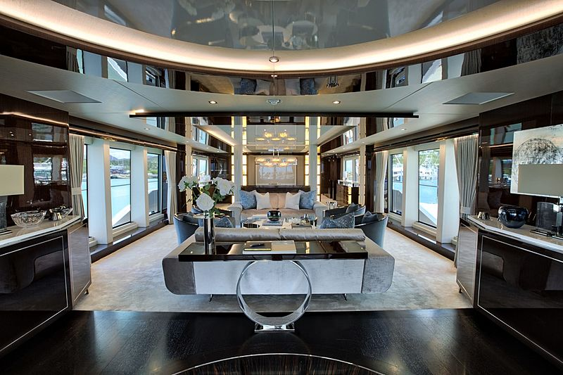 Take 5 yacht saloon