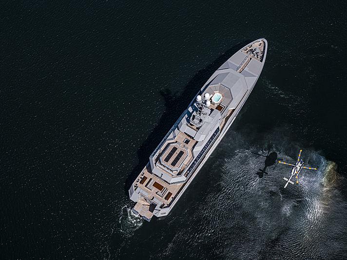 Skat yacht by L眉rssen