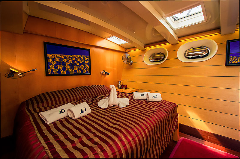 Douce France yacht stateroom