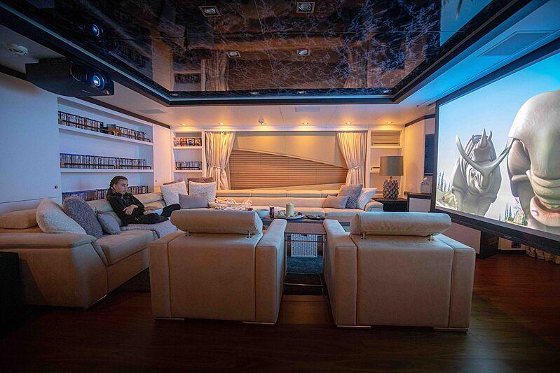 Africa I yacht cinema