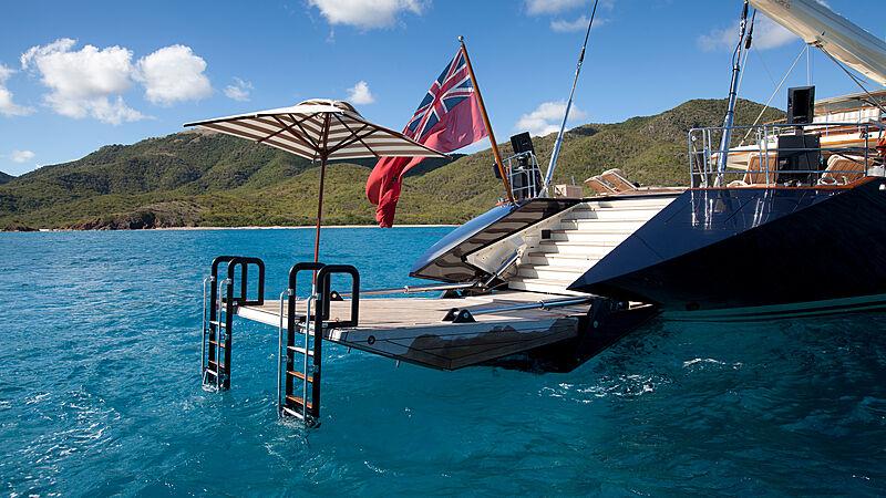 Tiara yacht swimming platform
