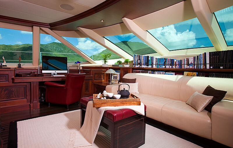 Tiara yacht saloon