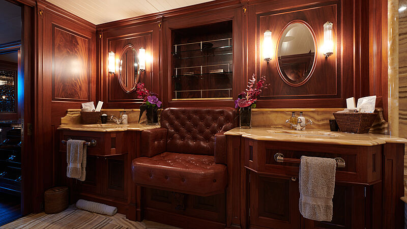 Tiara yacht stateroom