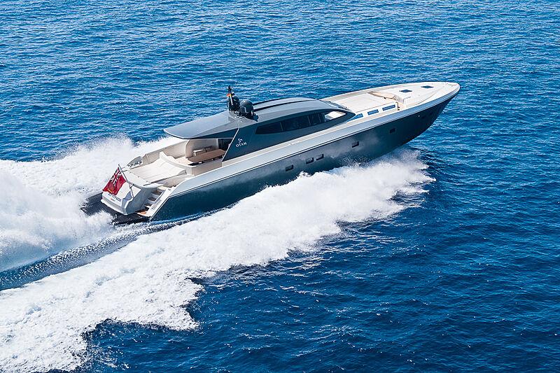 Attitude yacht cruising