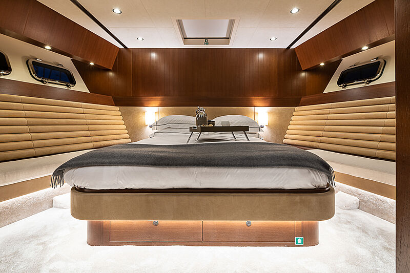 Attitude yacht stateroom
