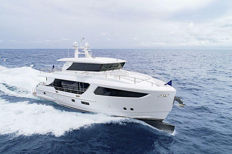 Horizon FD80/03 Skyline yacht cruising