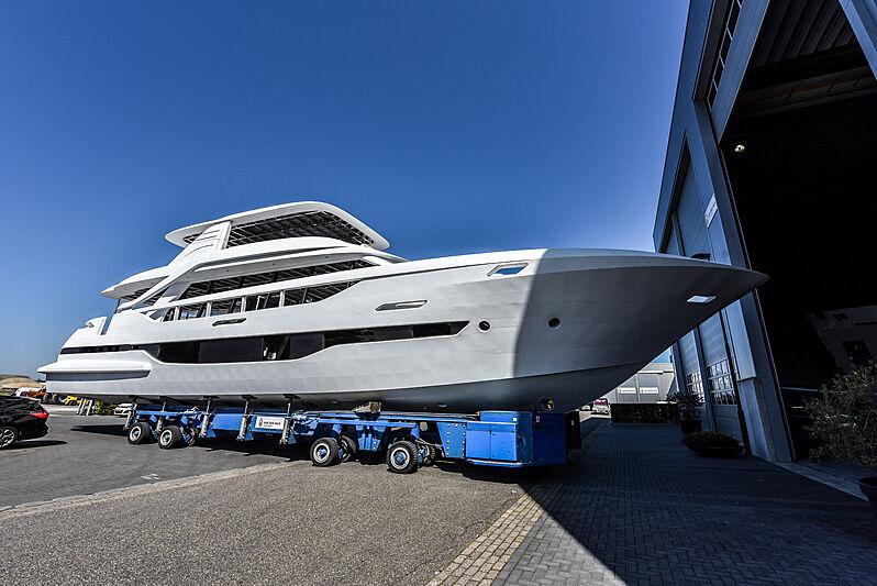 Van der Valk 25.5M Modern Flybridge
