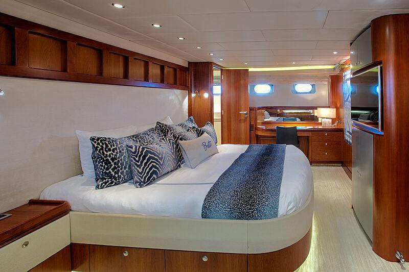 Botti yacht stateroom