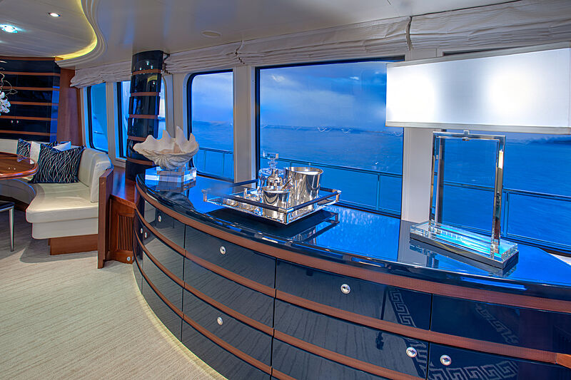 Botti yacht saloon
