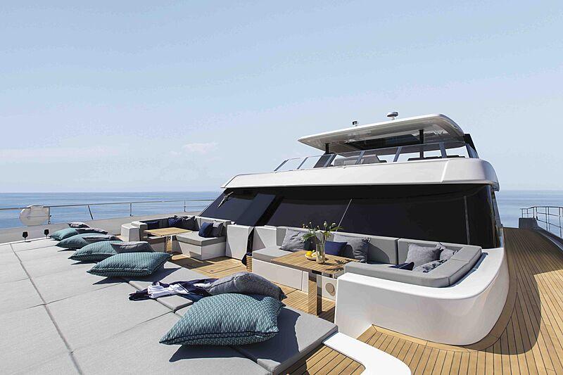 Sunreef 80 Power #08 yacht deck