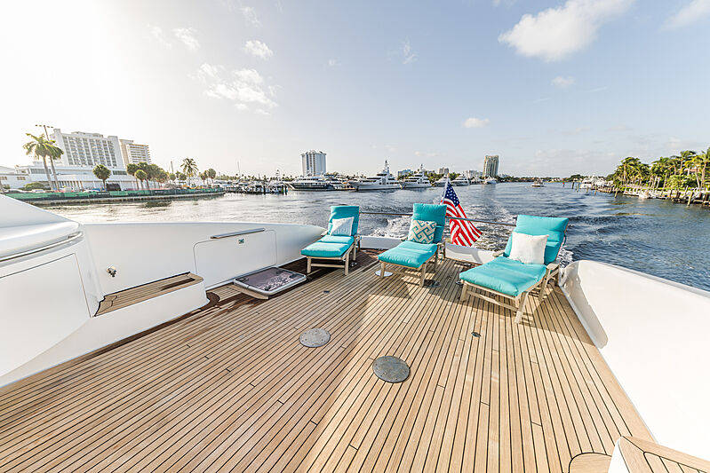 Kemosabe yacht deck