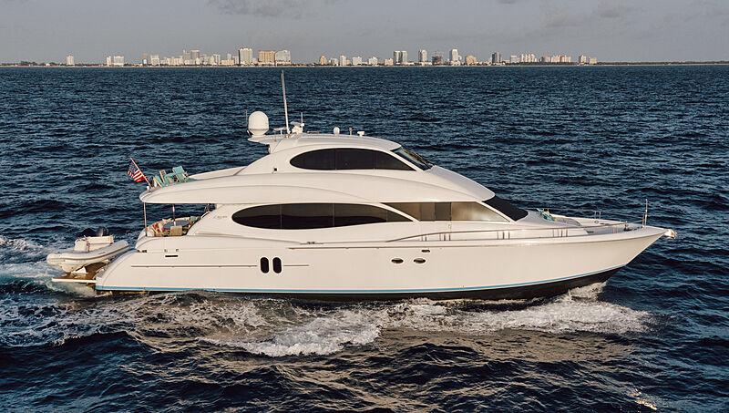 Kemosabe yacht cruising