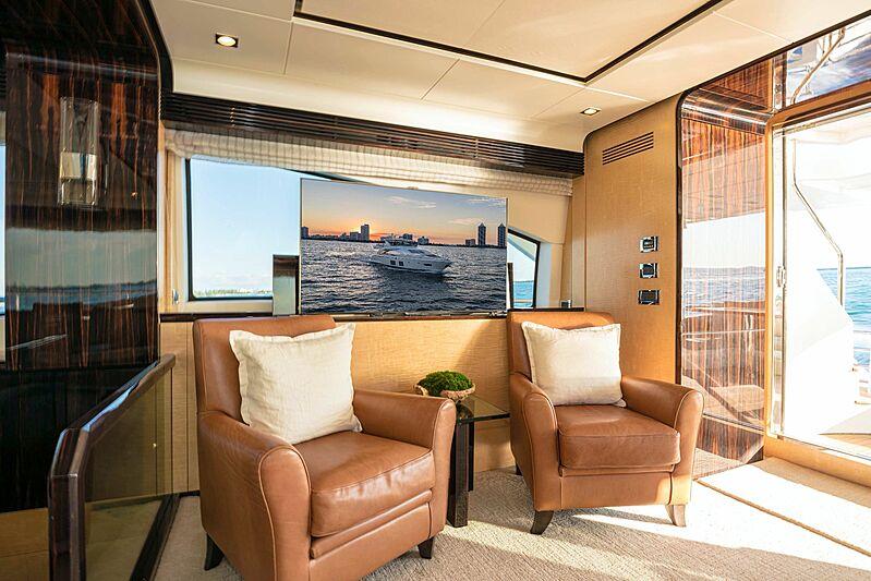 Phoenix yacht saloon