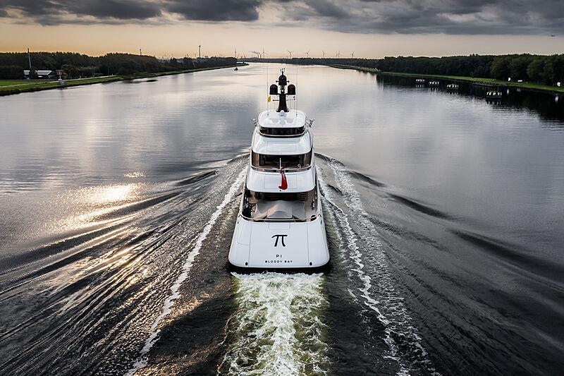 Pi yacht arriving in Ijmuiden