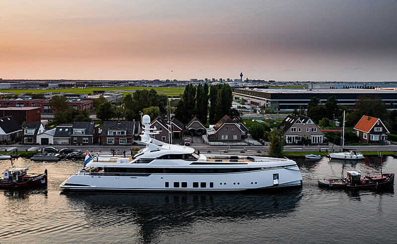 Yacht Totally Nuts by Feadship