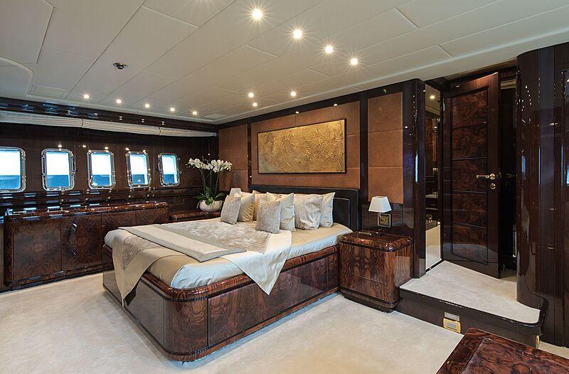 Fatamorgana yacht stateroom