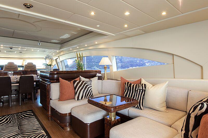 Fatamorgana yacht saloon