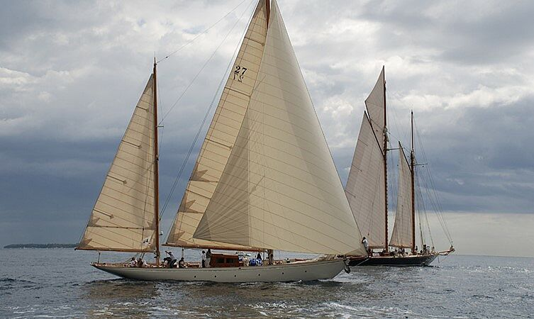 L'ODYSSÉE yacht Chantiers de Normandie
