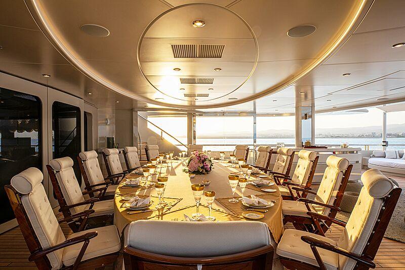Valerie yacht deck dining