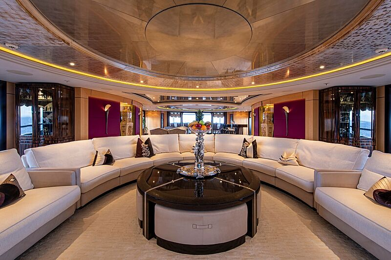 Valerie yacht saloon