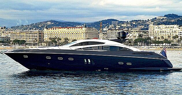 Low Profile yacht cruising