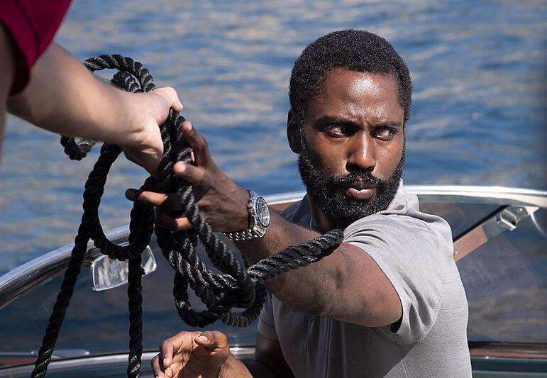 John David Washington in Warner Bros. Pictures鈥� action epic Tenet, a Warner Bros. Pictures release.