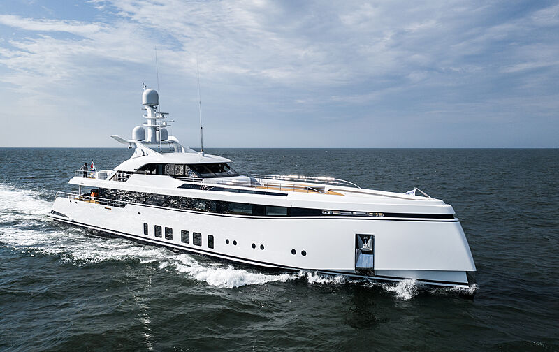 TOTALLY NUTS yacht Feadship