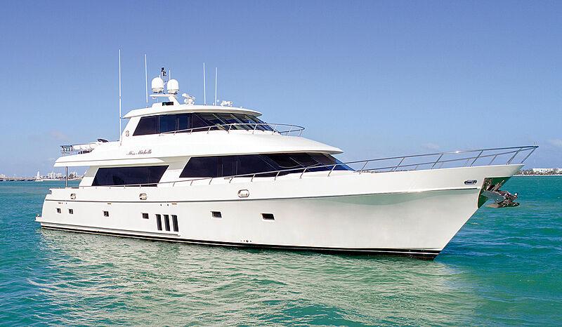 Miss Michelle yacht by Ocean Alexander