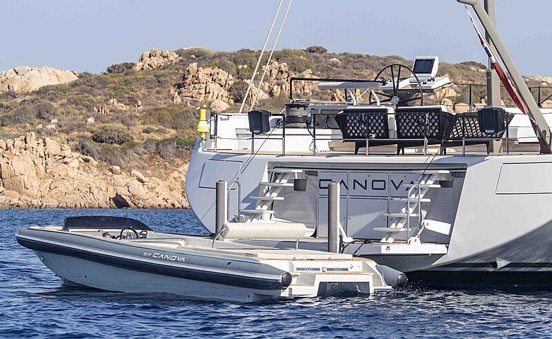 Canova yacht with tender
