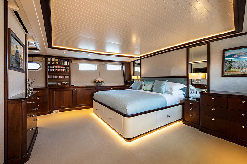 Odyssey III yacht master cabin
