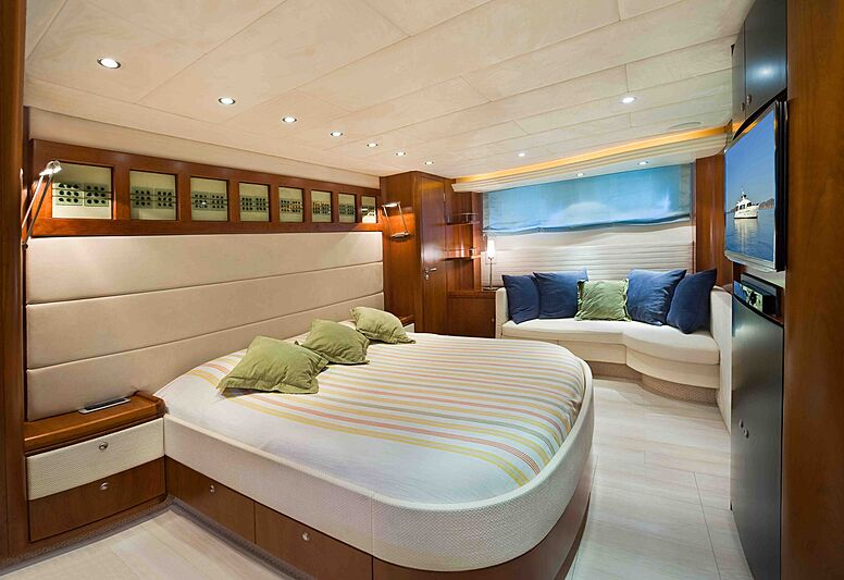 Prana yacht stateroom