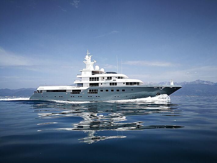 Planet Nine yacht cruising