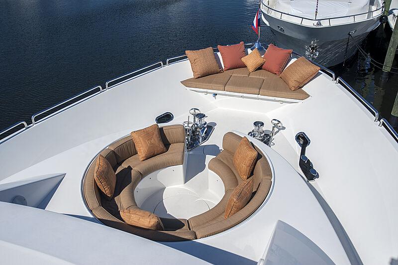 Wild Kingdom yacht foredeck
