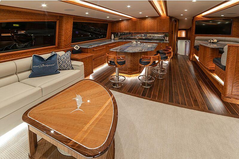 Reel Development yacht by Jarrett Bay Boatworks