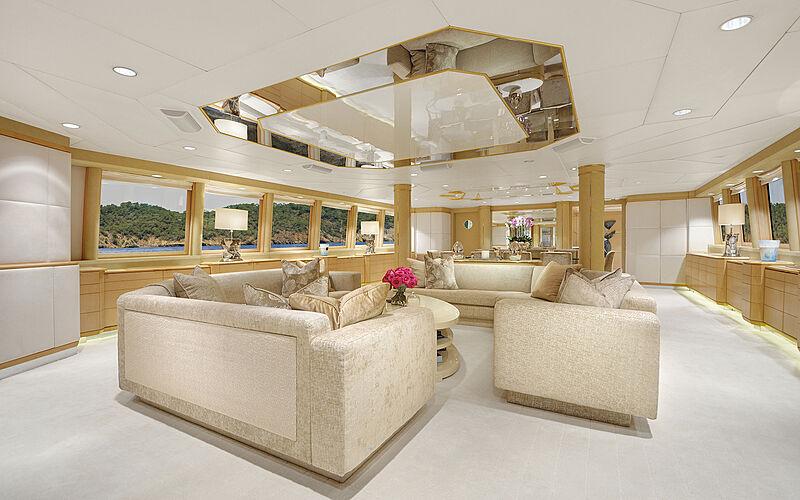 Azzurra II yacht saloon