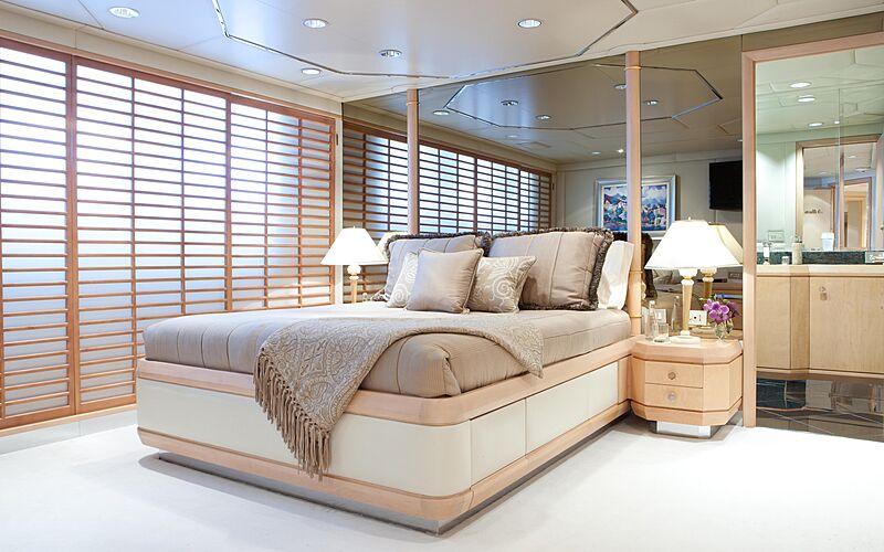 Azzurra II yacht stateroom