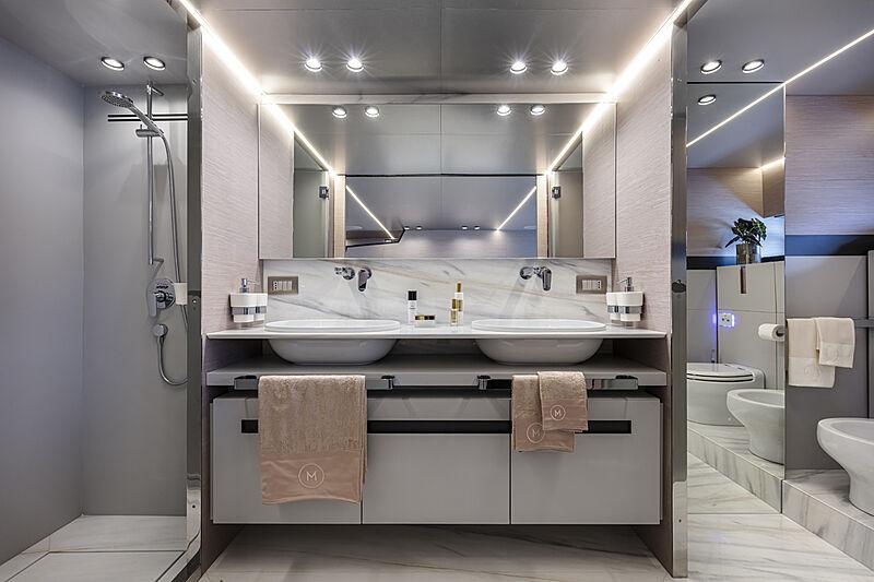Haze yacht bathroom