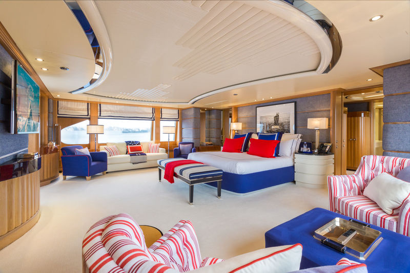 Benetti M/Y Air owner's cabin