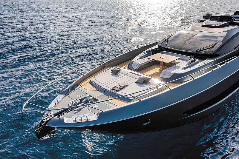 Riva 88 Folgore yacht deck