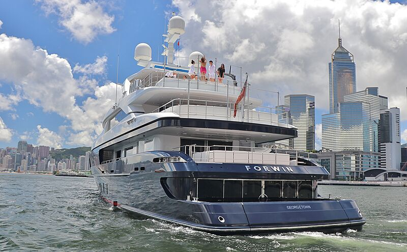 Forwin yacht stern