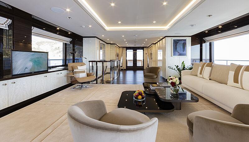 Galene yacht saloon