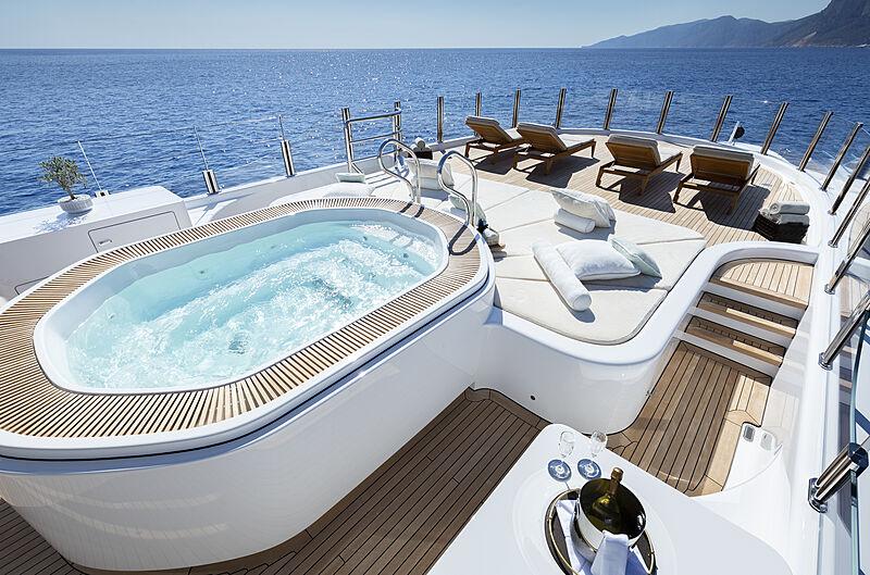 Galene yacht stateroom pool