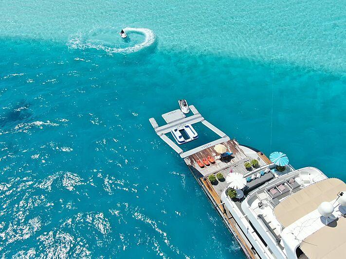 Azalea yacht beach club