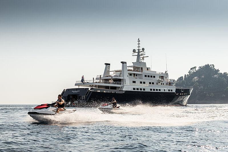 Bleu de Nimes yacht with toys