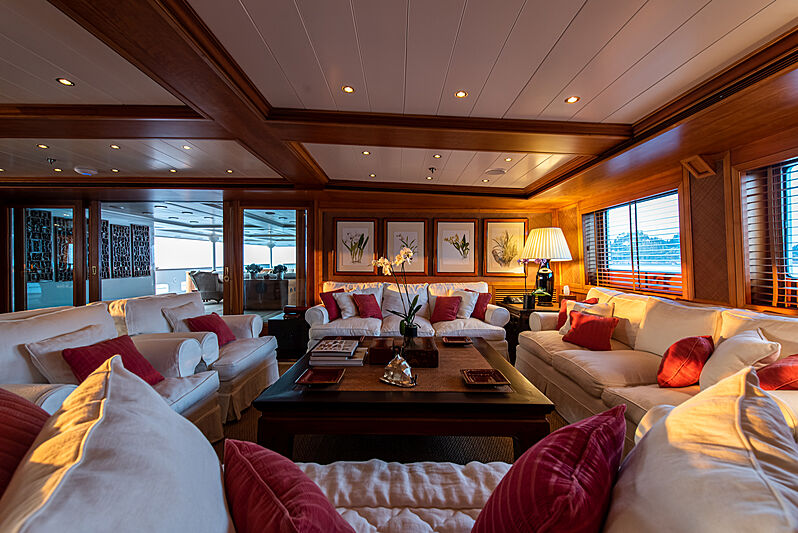 Bleu de Nimes yacht saloon