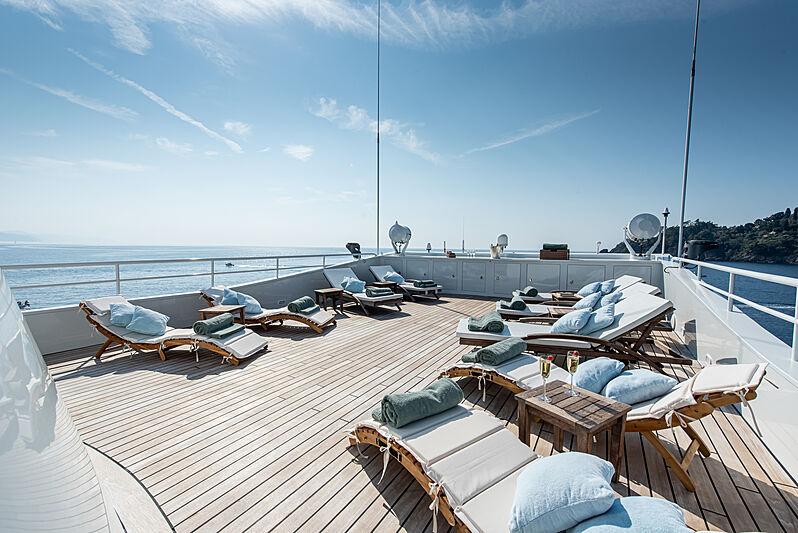 Bleu de Nimes yacht sun deck
