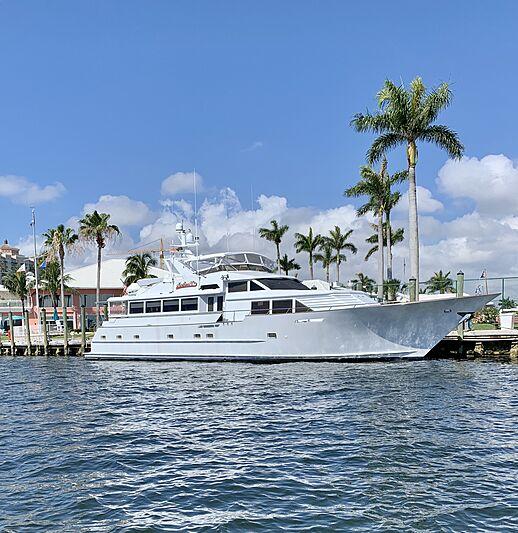 NORTHERN V'S yacht Broward